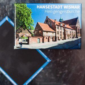 W048-M: Magnet Wismar: Heiligen Geist Kirche (und Eingang Polizeirevier SOKO Wismar)
